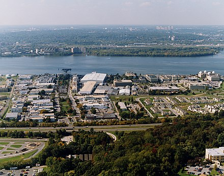 NRL in 2001 US Naval Research Laboratory in 2001.jpg
