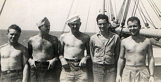 Q-ship - Yeomen and supply clerks of USS Anacapa (AG-49) exhibiting non-regulation attire typical of Q-ship duty to imitate merchant ships.