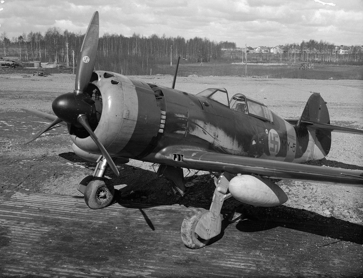 Pyörremyrsky Lentokone