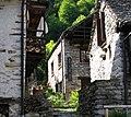 Valle Verzasca, Casa Della Lana - panoramio.jpg