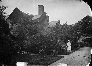 Vaynol Hall garden, Pentir (Caern)