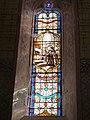 Vitrail aux banderoles (Eglise de Vieux, Tarn).jpg