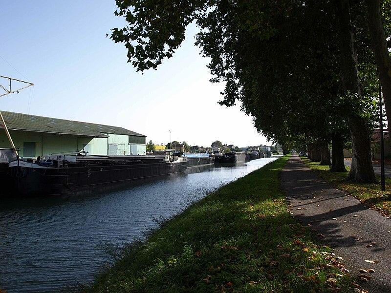 Vitry-le-François (51300 - FRANCE): photographies Canal de la Marne à la saône et le pont.