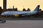 Vueling, EC-MBF, Airbus A320-214 (43458290760).jpg
