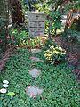 Waldfriedhof dahlem ehrengrab Hans Schmiljan.jpg