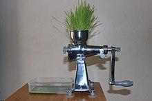 wheatgrass juicing machine
