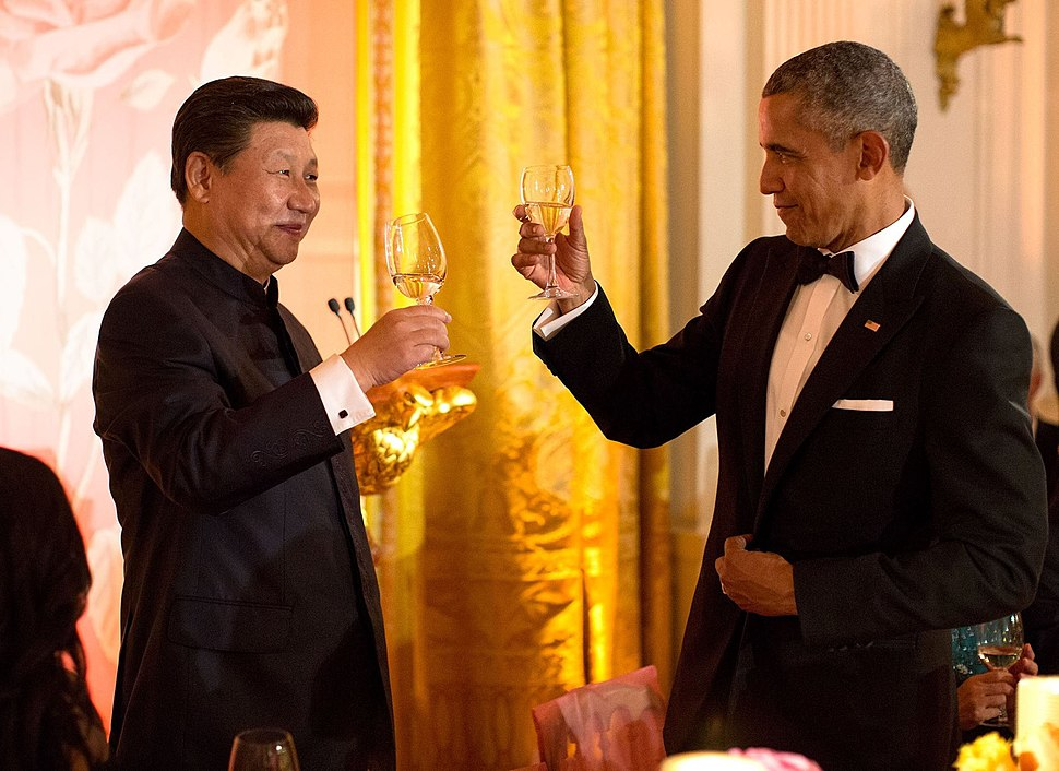 Xi Jinping and Barack Obama toast at White House state dinner September 2015