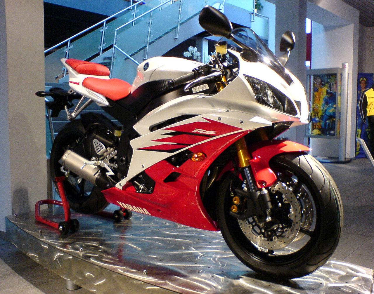 File:Yamaha YZF R6 2006 red.jpg - Wikimedia Commons