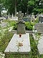 Zabytkowe groby na cmentarzu w Jazgarzewie 4.jpg