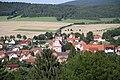 Zoomblick vom Gebiet zwischen Bocksberg und Rockenstuhl ostwärts auf Schleid.jpg