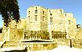 Şirvanşahlar sarayının yuxarı həyətdən görünüşü.JPG