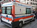 Автомобиль Скорой помощи во Флоренции, Италия.jpg