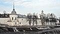 Ансамбль Спасо-Преображенского монастыря, вид с моста через Которосль.jpg
