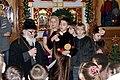 Архимандрит Борис поздравляет детей с Рождеством.JPG