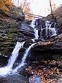 Водопад Шипит осенью.jpg