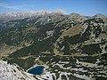 От вр.Синаница-езерото и хижата - panoramio.jpg
