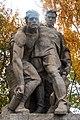 Скульптура «Выстояв, мы победили смерть».jpg