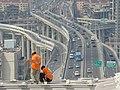 卢浦大桥-工人与立交桥 - panoramio.jpg