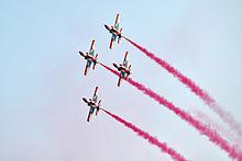 Formasi empat pesawat latih K-8 Karakorum dari Team aerobatik Angkatan