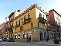 022 Casa Vilà, rbla. Davallades - c. Jacint Verdaguer (Vic).jpg
