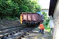 1.Ruční nastavení výhýbky výměníkem 2 při posunu nákladního vozu na nádraží Davle.JPG