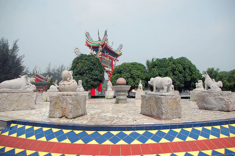 File:12 chinese zodiac statue in Jade Dragon Temple.jpg
