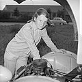 13-jarig meisje volgt monteurscursus, Maria Geziena Ellens uit Foxhol (Groningen, Bestanddeelnr 917-9409.jpg