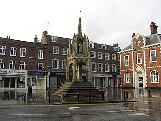 Leighton Buzzard - Image: 15 Century market cross, Leighton Buzzard geograph.org.uk 956627