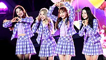 Loona (group) - Wikipedia