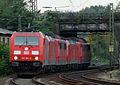 185 394-4 mit Lokzug.JPG