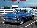 1958 Pontiac Star Chief Custom Safari (33976213123).jpg