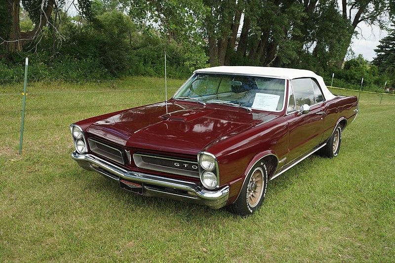 File:1965 Pontiac GTO Convertible (27786411583).jpg