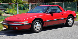 Buick Reatta - Image: 1988 Buick Reatta, front left