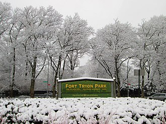 Fort Tryon Park - Image: 2013 Fort Tryon Park main entrance sign at Margaret Corbin Circle in snow