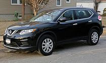2014 Nissan Rogue S AWD front left.jpg