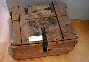 Alexander Koenig - Box used in one of Koenig's expeditions, exhibited in Museum Koenig