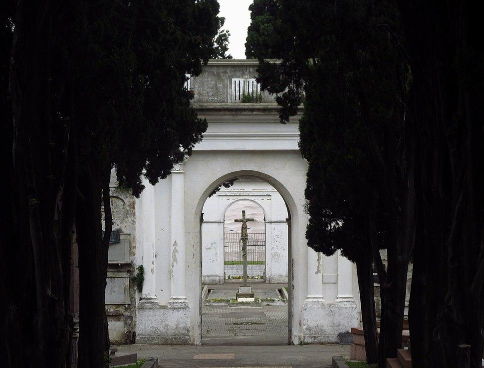 2016 cementerio Montevideo