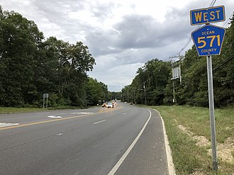 County Route 571 (New Jersey) - CR 571 westbound past CR 527 in Toms River