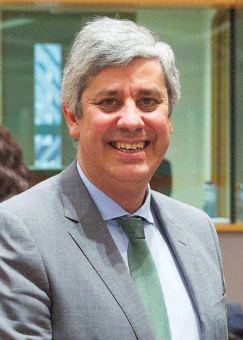 2018 Finanzminister Löger bei Eurogruppe und ECOFIN (Mário Centeno).jpg
