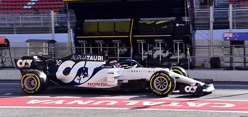 File:2020 Formula One tests Barcelona, AlphaTauri AT01, Pierre Gasly.jpg -  Wikimedia Commons