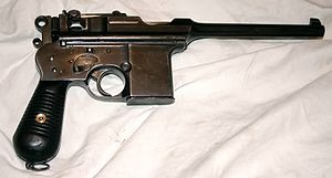 Astra Model 900 - An Astra 903 machine-pistol.