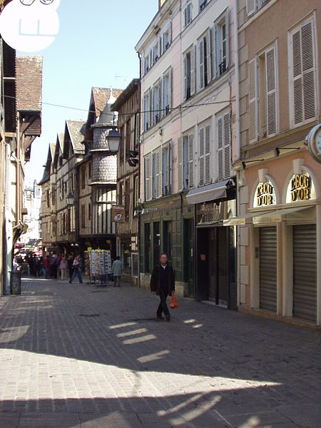 File:A street in Troyes France.jpg