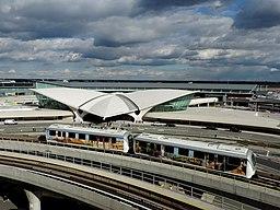 AirTrain JFK passes TWA Flt Ctr jeh