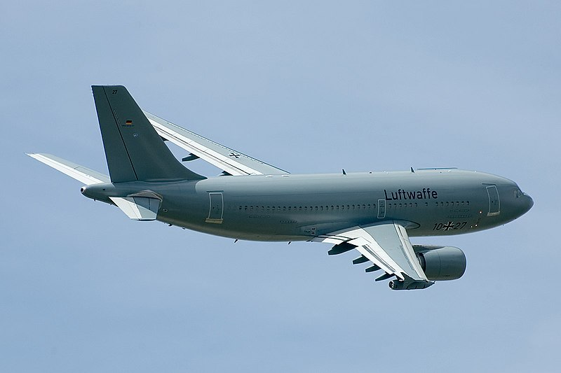 Airbus A310 MRTT 2.jpg
