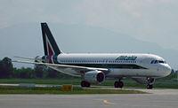 EI-EIA - A320 - Alitalia