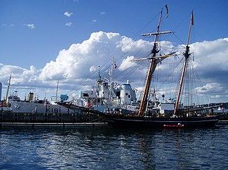 HMCS Sackville (K181) - Image: Along the Halifax waterfront (July 1 2007) (687039939)