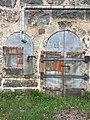 Ammusvaraston ovi Vallisaaressa 3.jpg