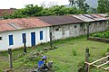 Anciens logements ouvriers de la roça São João dos Angolares (São Tomé).jpg