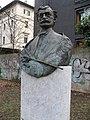 Anton Azbe bust in Leopoldpark Munich.jpeg