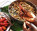 Arachis hypogaea - Peanuts in shell.jpg